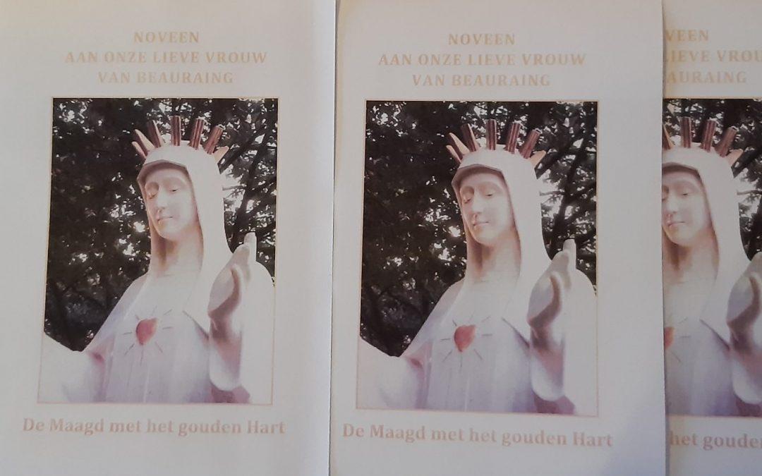 """De Noveen aan Onze Lieve Vrouw van Beauraing; """"de Maagd met het gouden hart""""."""